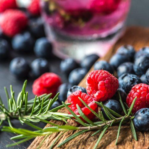 Arbuști Fructiferi
